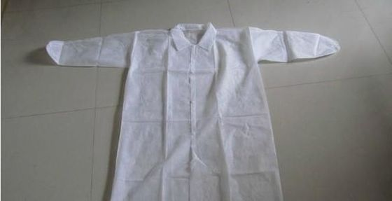 Sterilization 35 - 60GSM PP Isolation Gown Skin Friendly For Work Protection