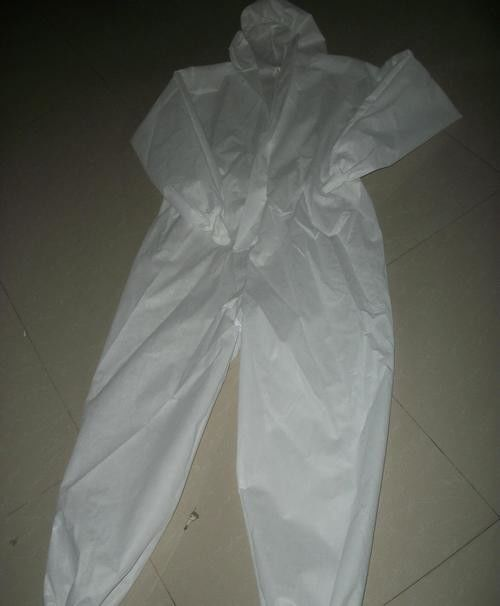Zipper Cover Disposable Medical Gowns , Dust Proof Disposable Chemical Suit supplier